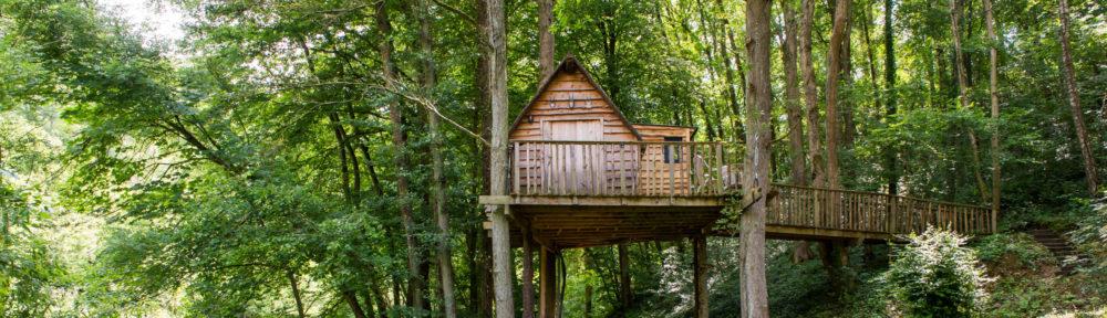 Moulin de Lisogne, Cabanes dans les arbres